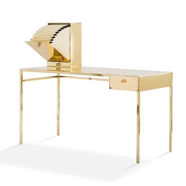 Письменный стол, дизайнер NIKA ZUPANC